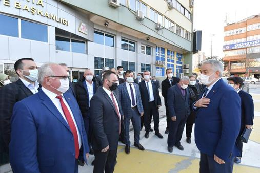AK Parti'den Belediye Çıkarması