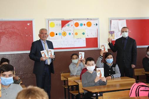 Başkan Pala'dan Eğitime Tablet Desteği