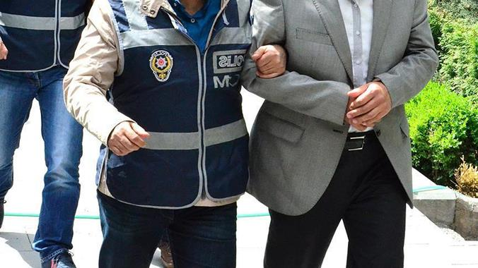 FETÖ Operasyonunda 5 Tutuklu