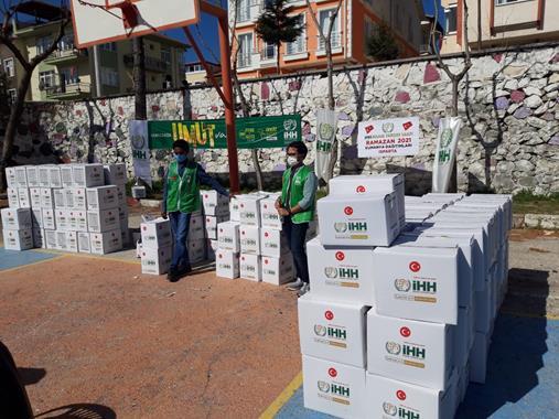 Hedef: Ramazan Boyunca 3 Bin Kişiye Gıda Paketi