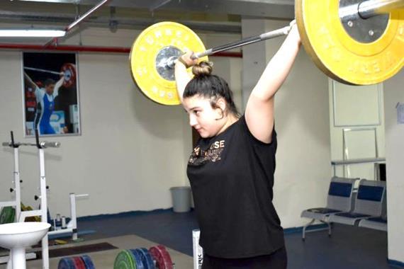 Fatma Gül Çevik, Kadınlar Halter Şampiyonası'nda